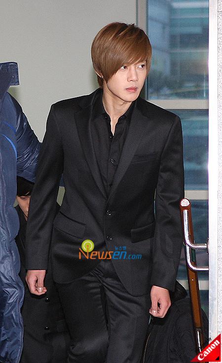 hyunjoong-at-funeral